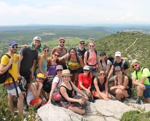 Photo de groupe des encordées à la montagne